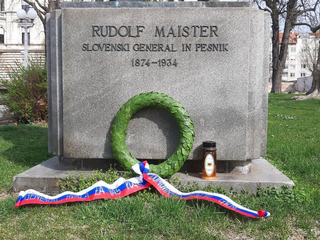 Položeni venec pri Maistrovem spomeniku v Mariboru- 29. 3. 2020