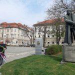 Predsednik DDGRM Maribor Aleš Arih prinaša venec - 29. 3. 2020